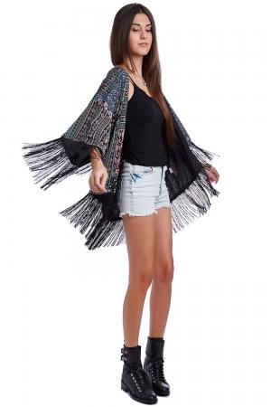 Kimono estampado con flecos