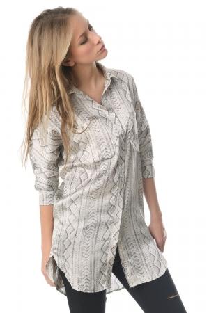 Camisa larga de raso con estampado abstracto gris
