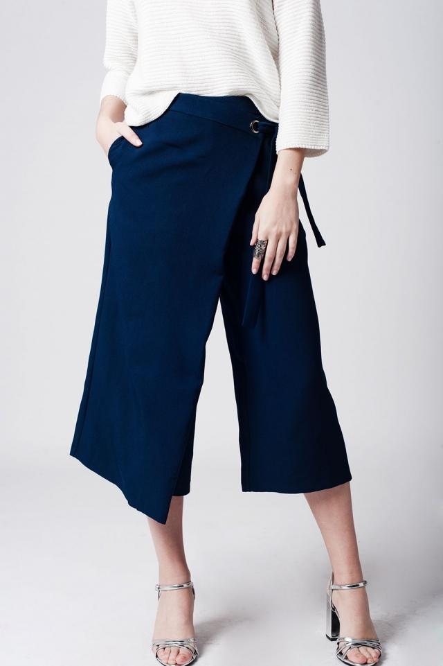 Falda pantalón azul marino con lazada en la cintura