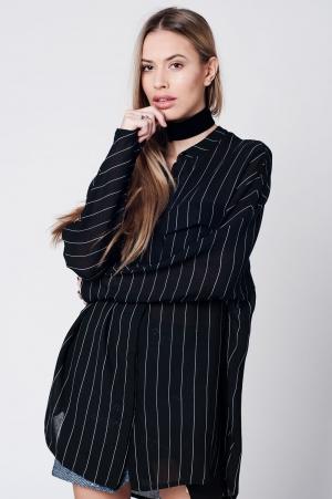 Camisa larga negra de rayas