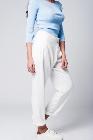 Pantalon blanco con la parte delantera cruzada