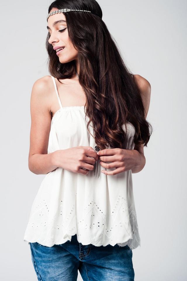 Top blanco con detalle de crochet en blanco