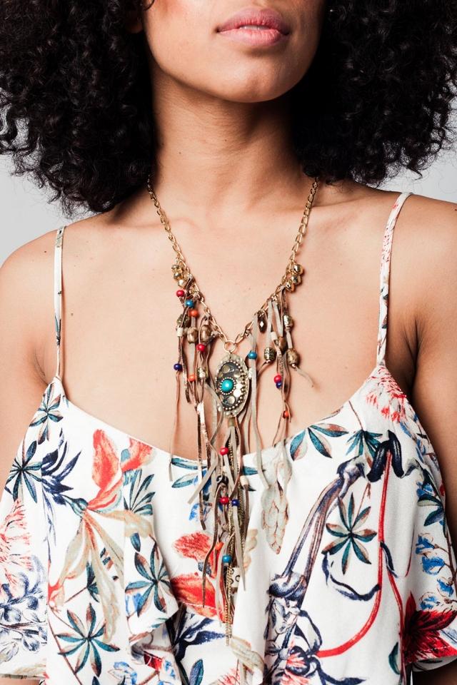 Collar multicolor con detalles étnicos y borla