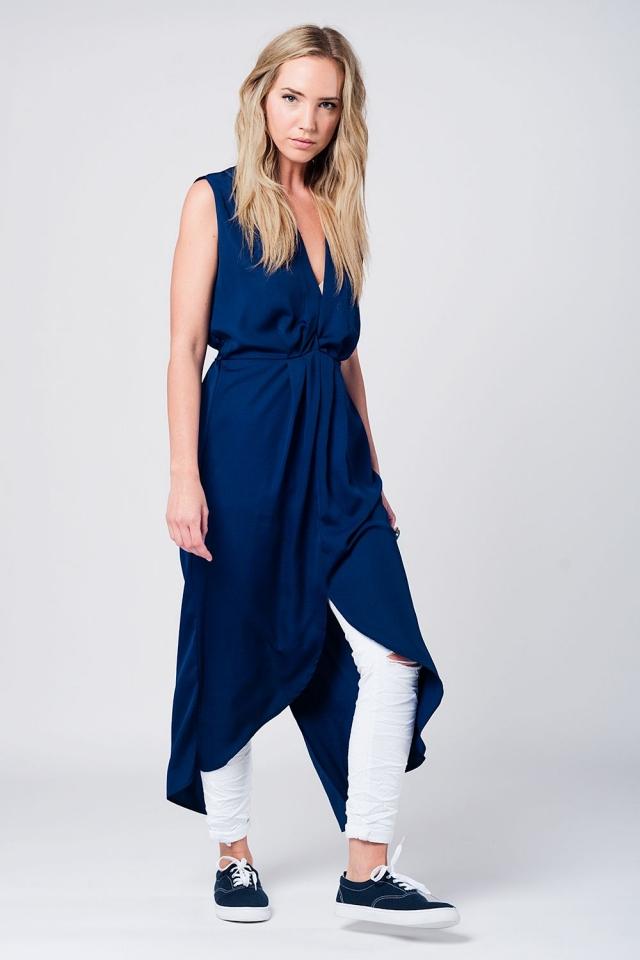 Maxi vestido azul marino con escote en pico