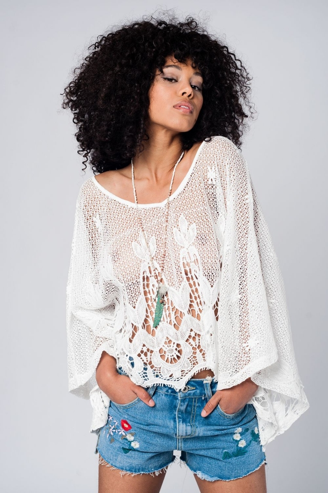 Top blanco amplio de crochet