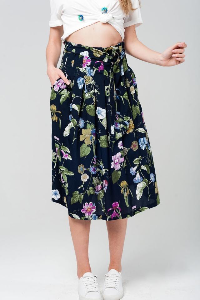 Falda midi con estampado floral en azul marino