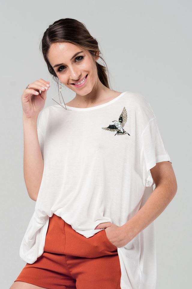 Camiseta amplia blanca con detalle bordado