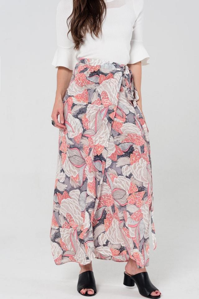 Falda larga con diseño cruzado floral