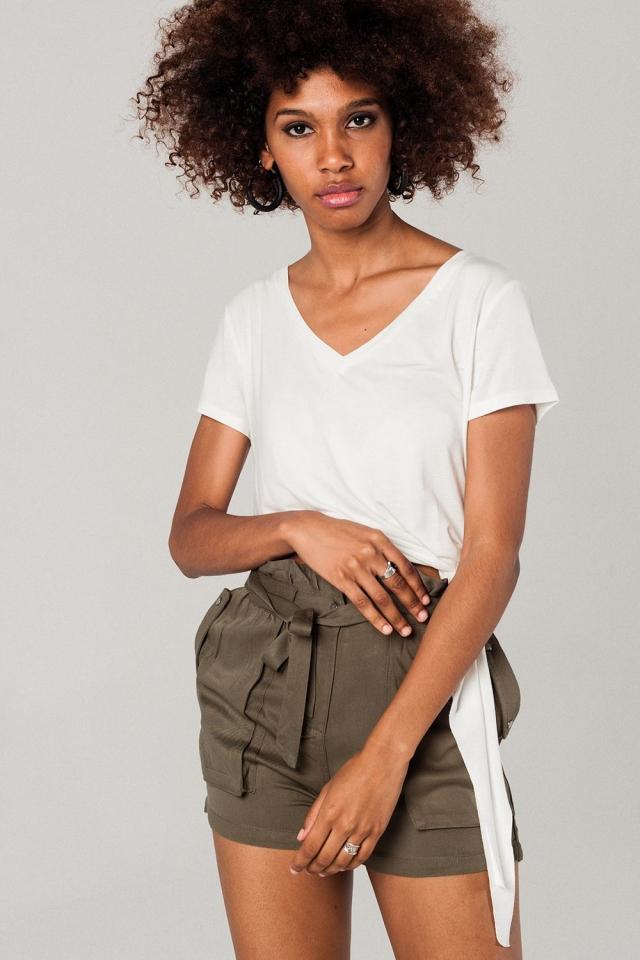 Camiseta asimétrica en color blanco