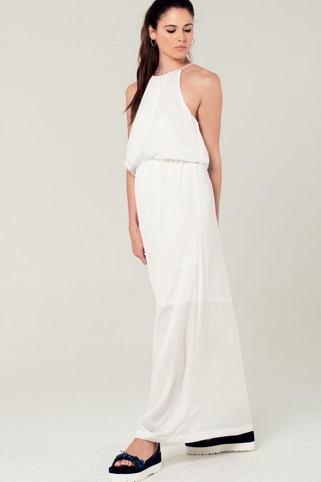 Maxi vestido blanco con detalle de cuello halter