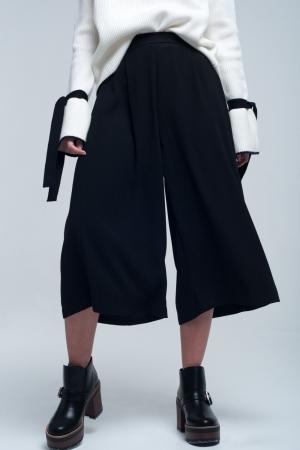 Falda pantalon en color negro