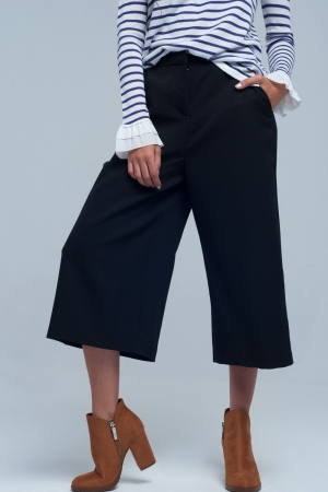 Falda pantalon en negro