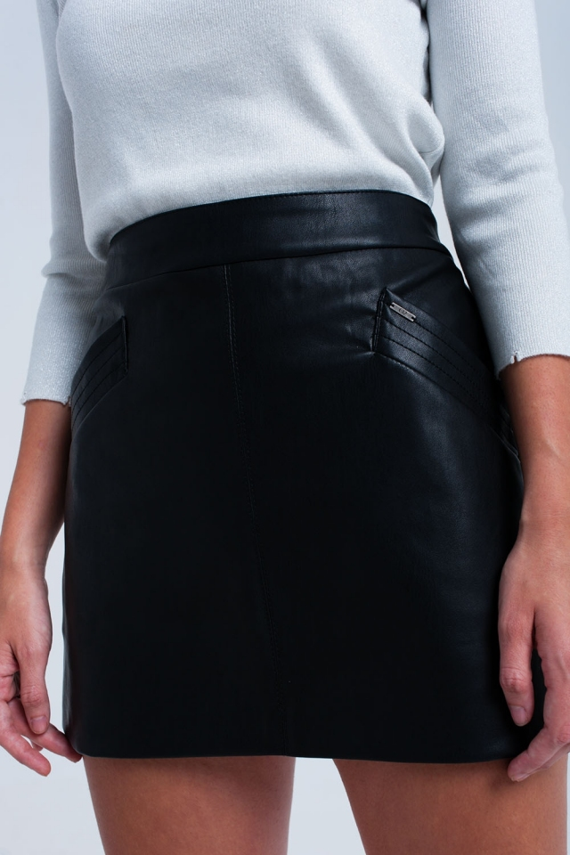 Falda polipiel en negra