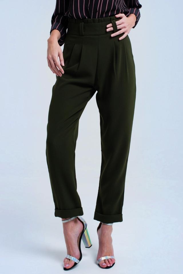 Pantalones verdes con volantes