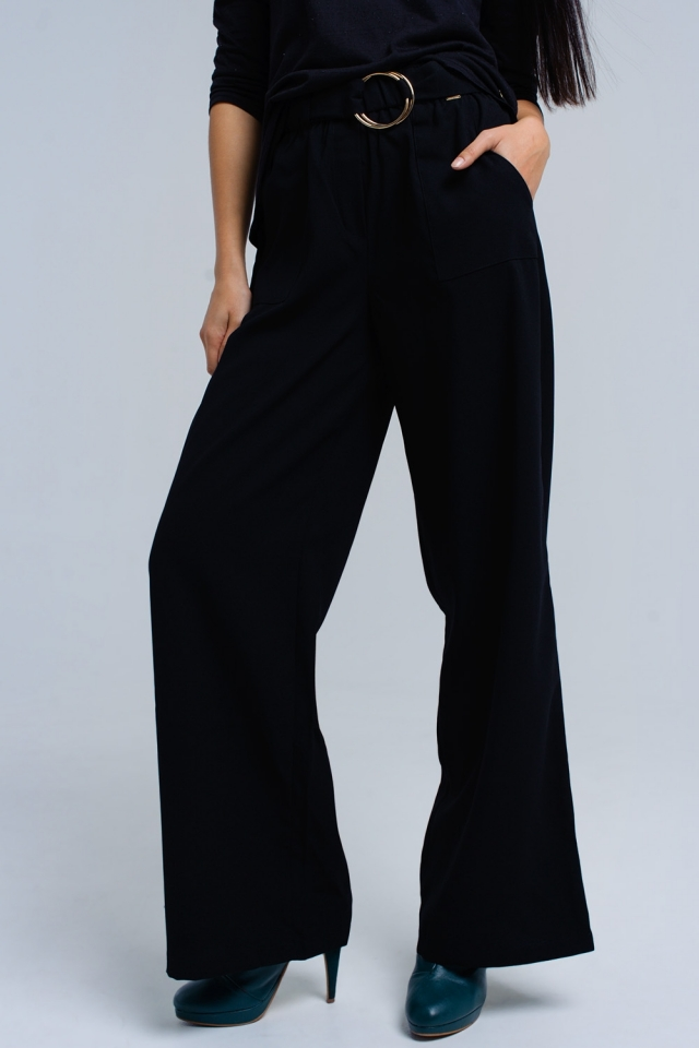 Pantalones negros con hebillas