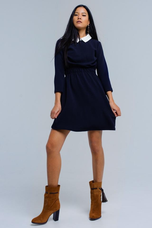 Vestido azul marino con cintura elástica