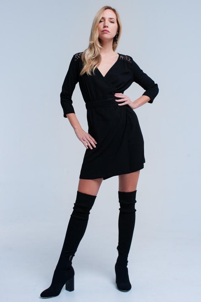 Vestido negro cruzado con encaje