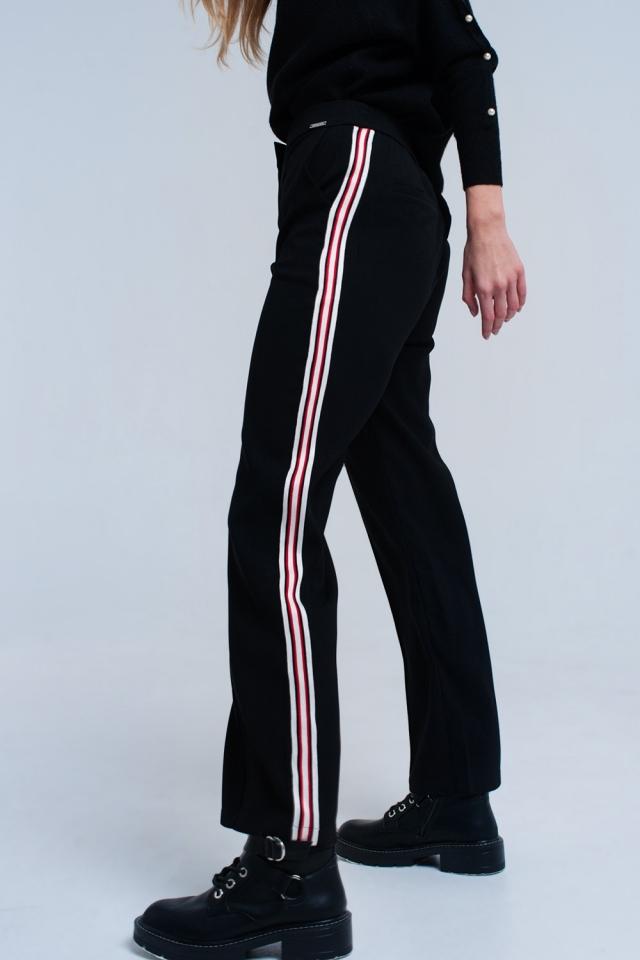 Pantalones negros con detalle de rayas