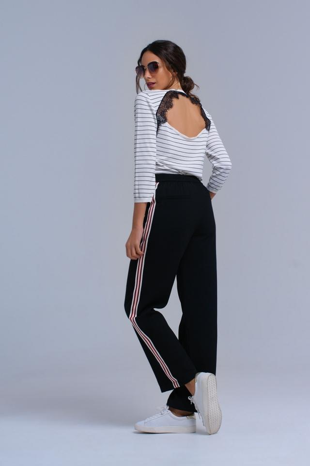 Jersey a rayas blancas con espalda abierta y encaje