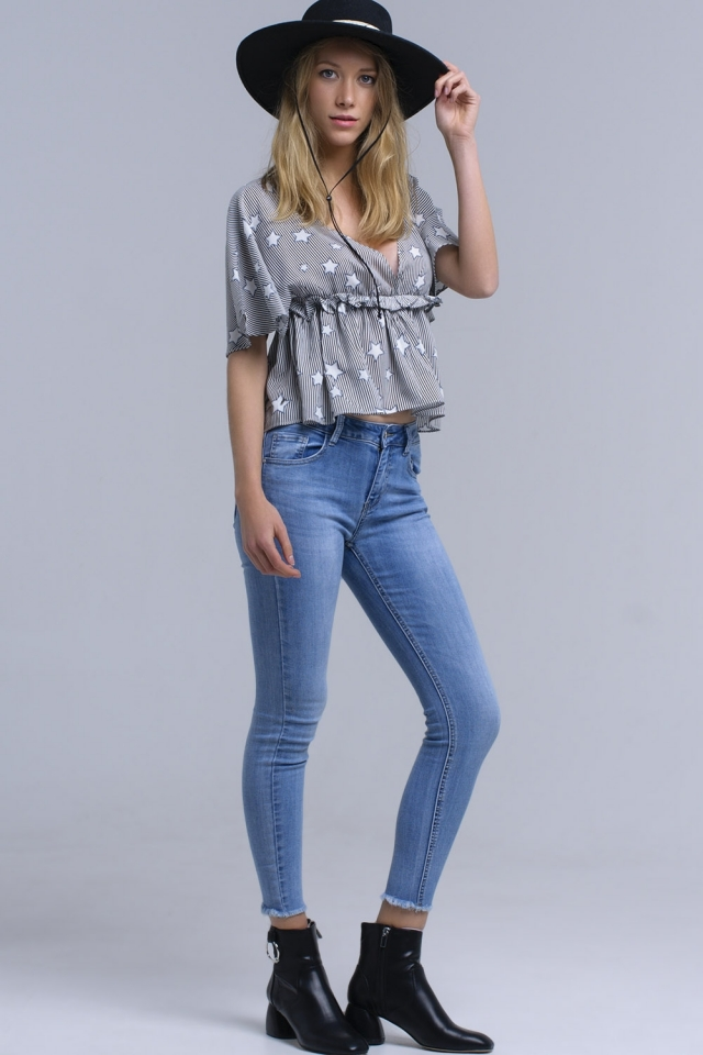 Jeans ajustados con flecos