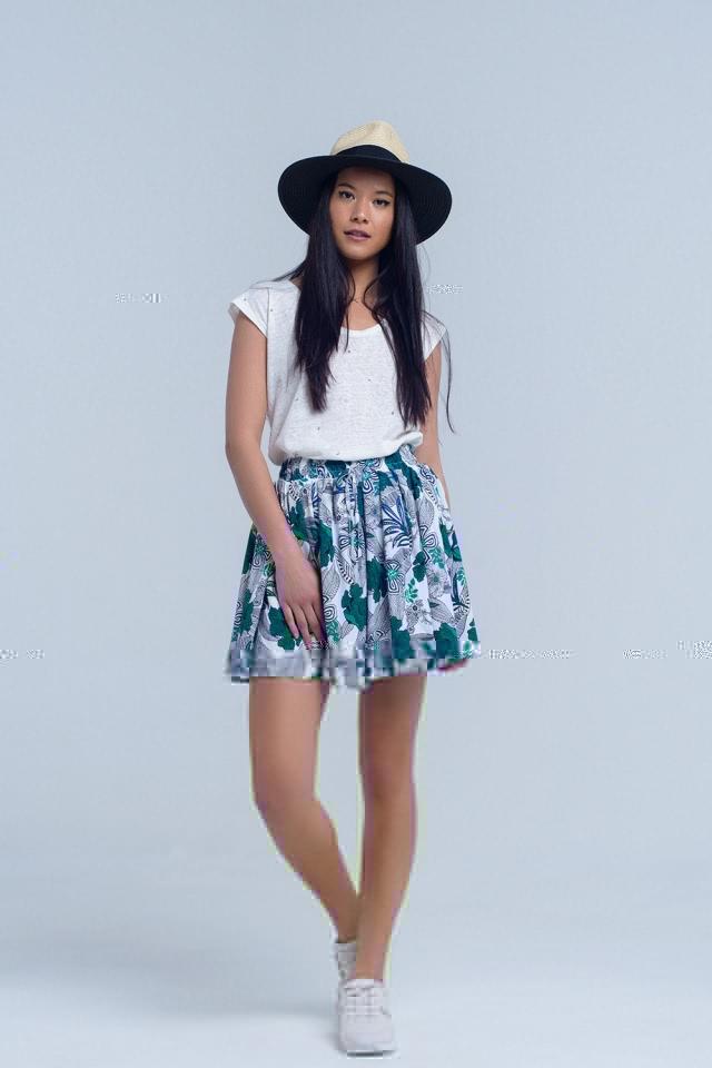 Mini falda pantalon azul con estampado floral