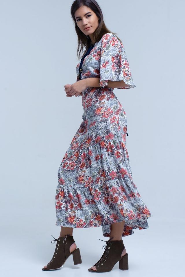 Vestido midi blanco con estampado floral y detalle anudado