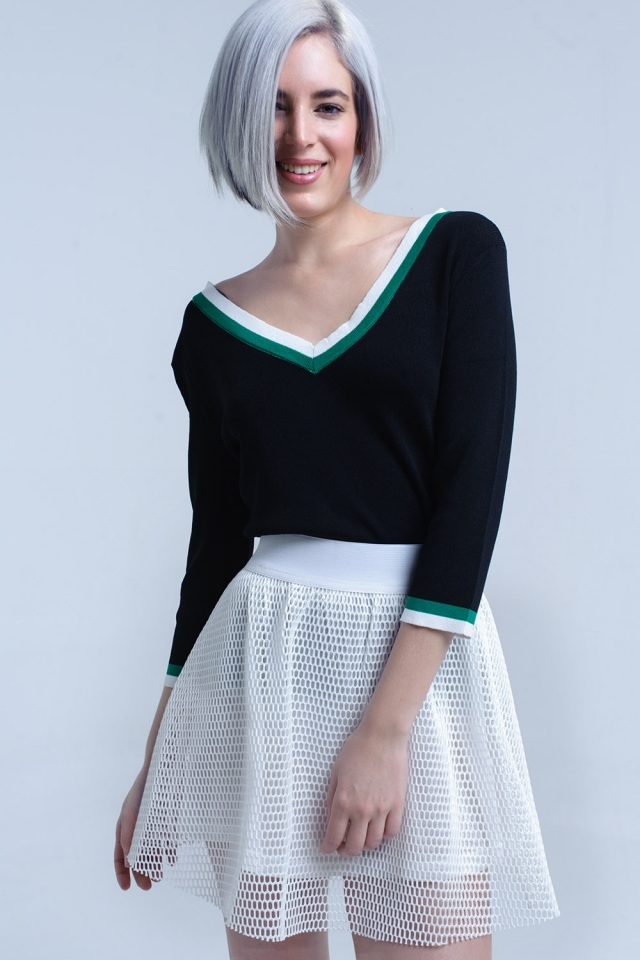 Jersey con cuello en V negro con ribete en contraste verde y blanco