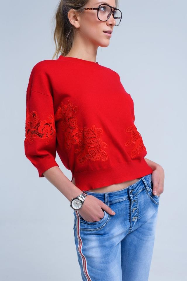 Jersey rojo con detalle de bordado