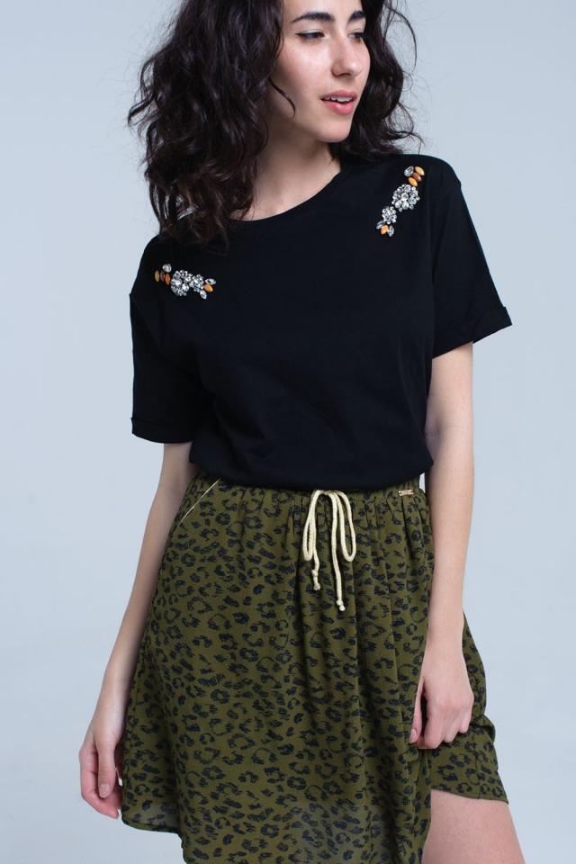 Camiseta negra con detalle de cristales