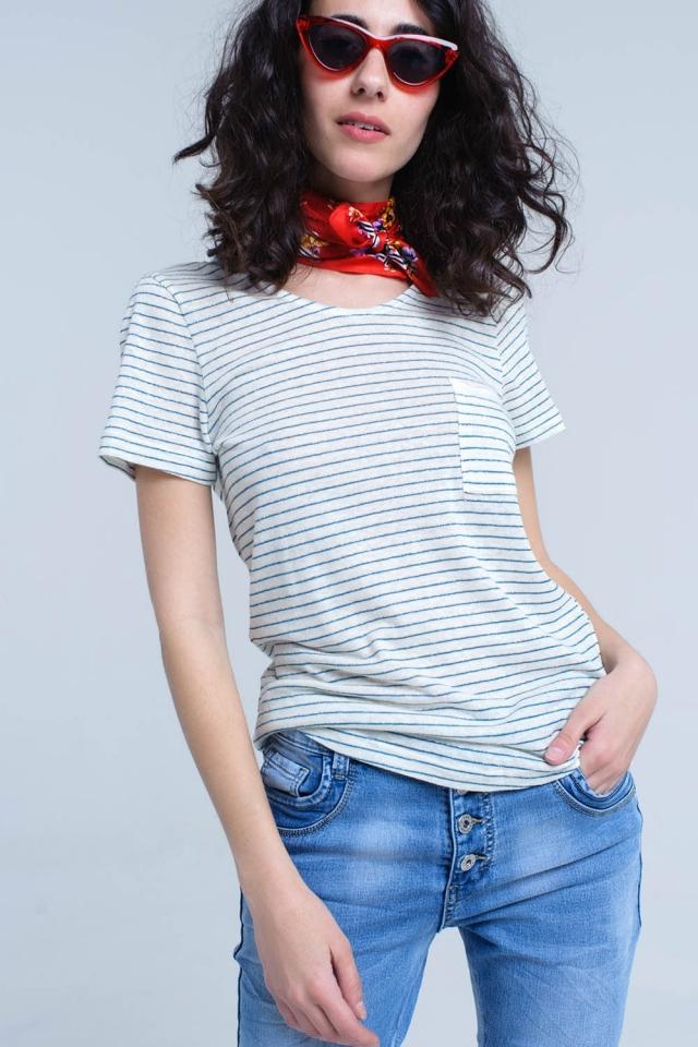 Camiseta crema con rayas turquesa