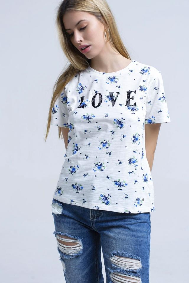 camiseta con estampado florar y logo