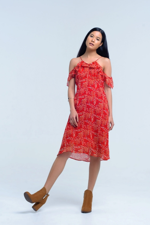 Vestido rojo con flores impresas y volantes