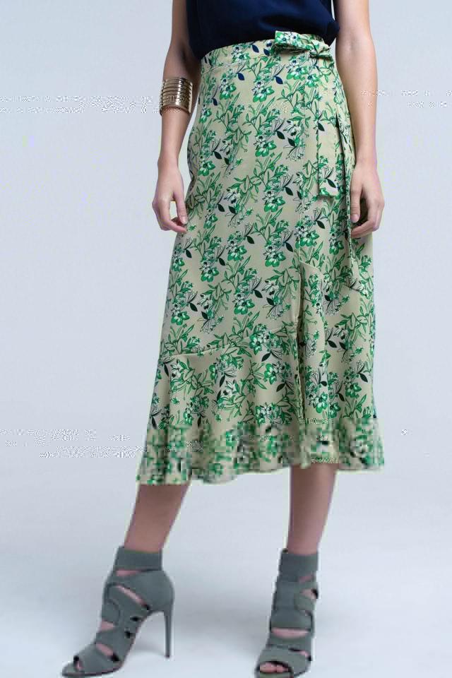 Falda verde con volantes y estampado de flores