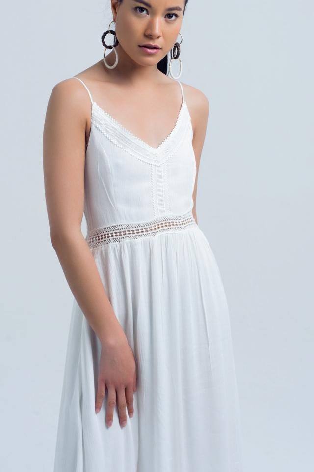 Vestido largo blanco con detalle calado en la cintura