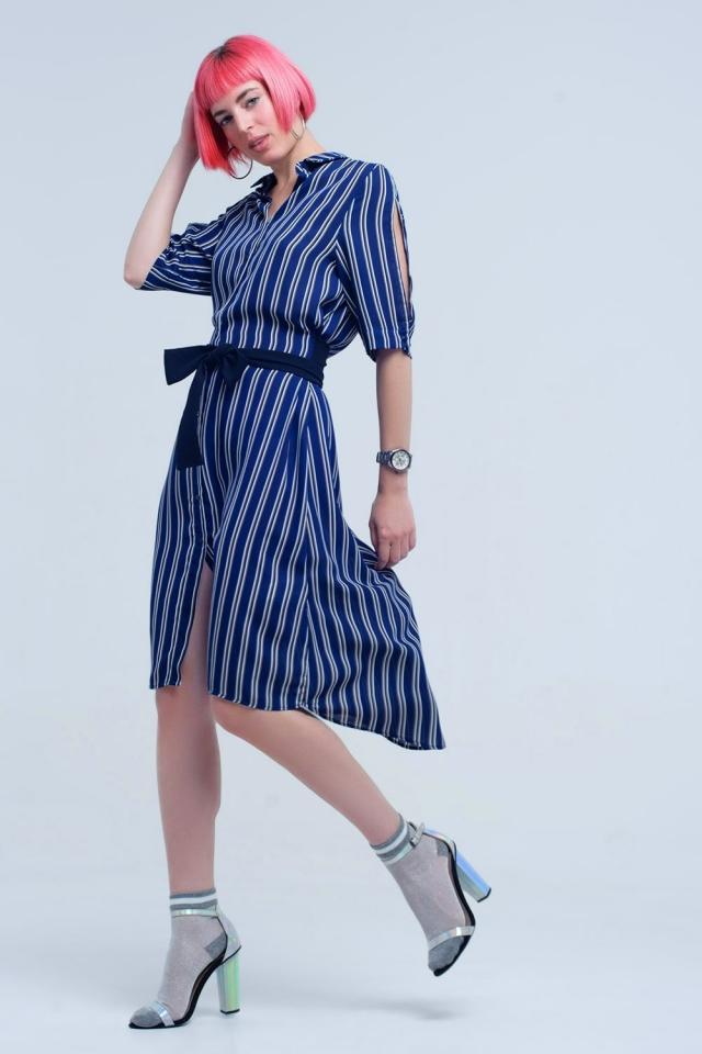 Vestido midi azul marino con rayas