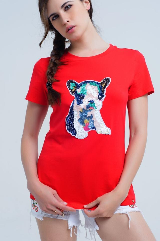 Camiseta roja con perro bordado de lentejuelas