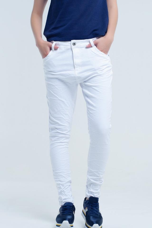 Jeans blancos arrugado con bolsillos
