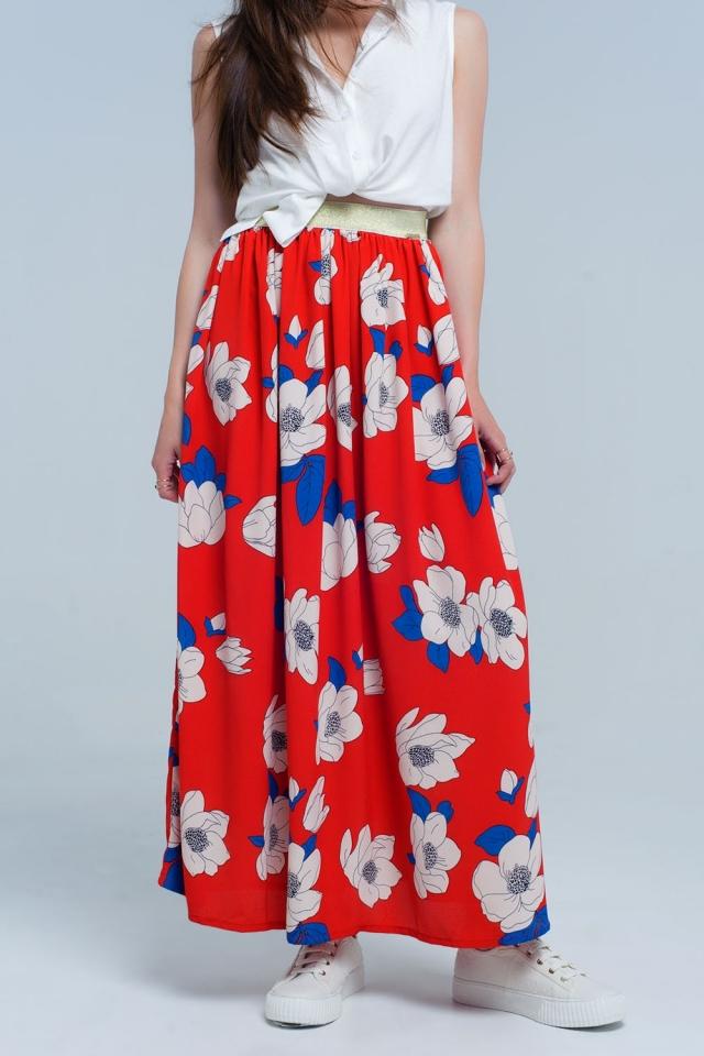 Falda larga roja con flores impresas
