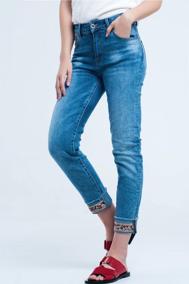 Jeans rectos tobillero con detalle de cristales