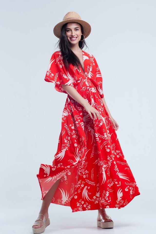Vestido largo rojo con flores blancas impresas