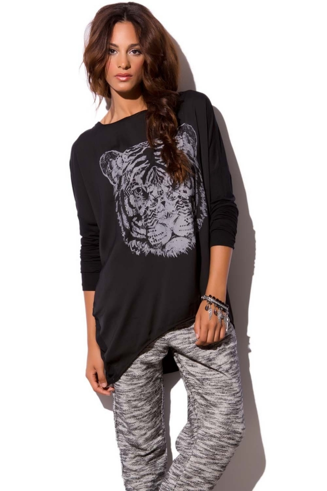 Blusa túnica negra estampada tigre