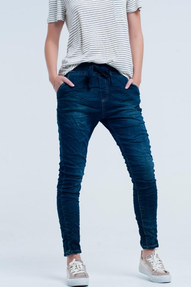 Boyfriend jeans azul con cintura elastica