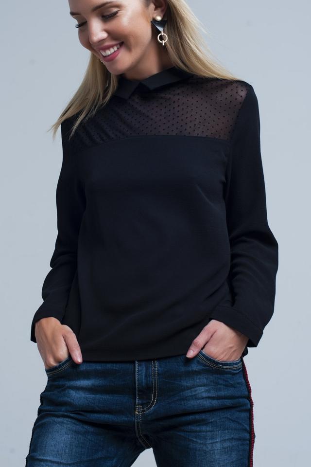 Camisa negra con detalle transparente a lunares