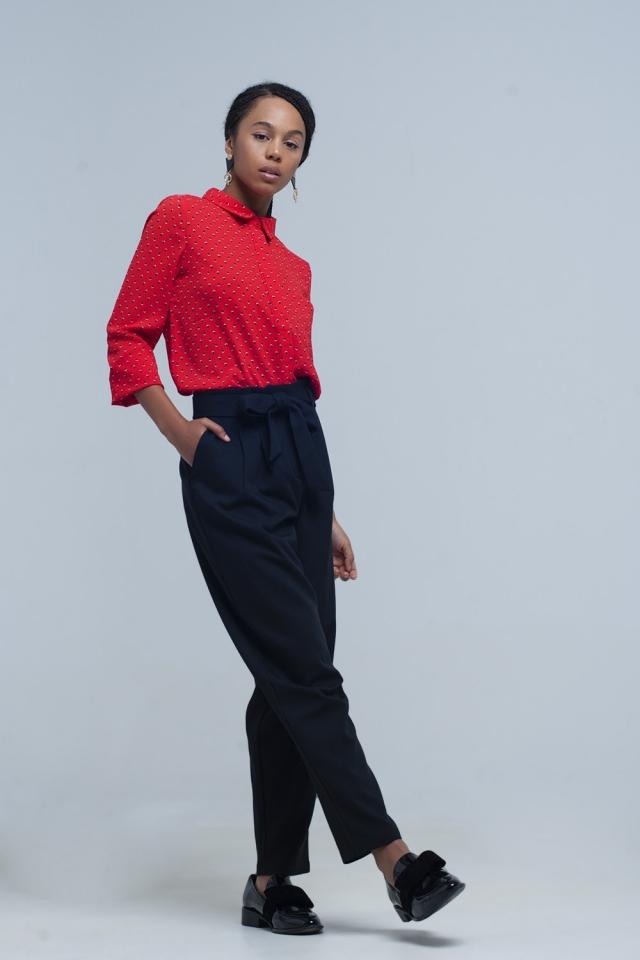 Pantalon negro de cintura alta con cinturon