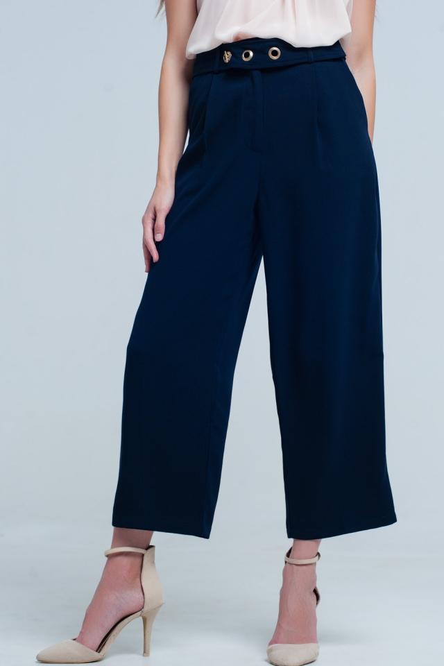 Pantalón tobillero azul marino con detalle de cinturón