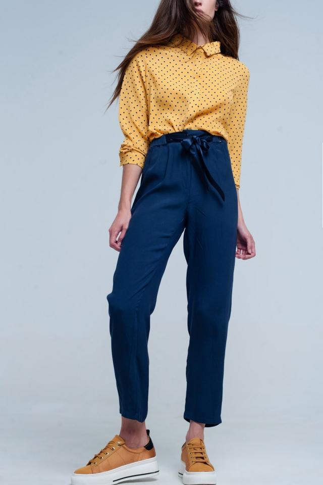 Pantalon azul marino con cinturón de raso