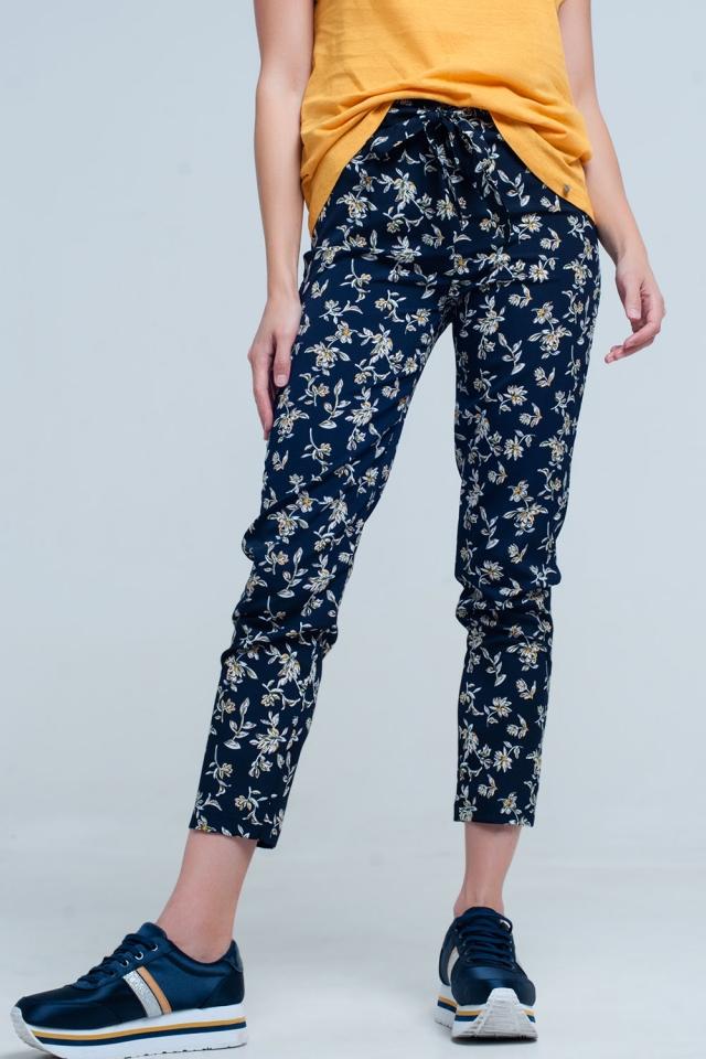 Pantalon estampado flores con cinturon
