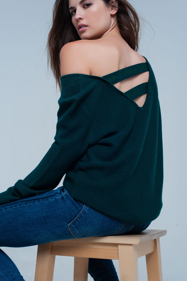 Sueter verde con tiras en la espalda