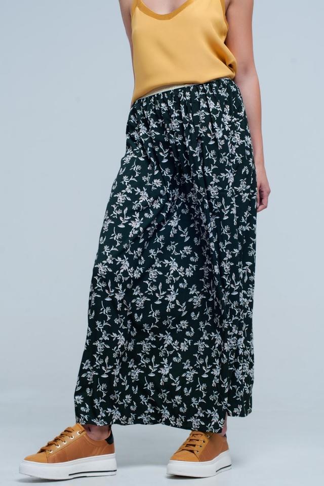 Falda larga verde estampada de flores con cintura elastica