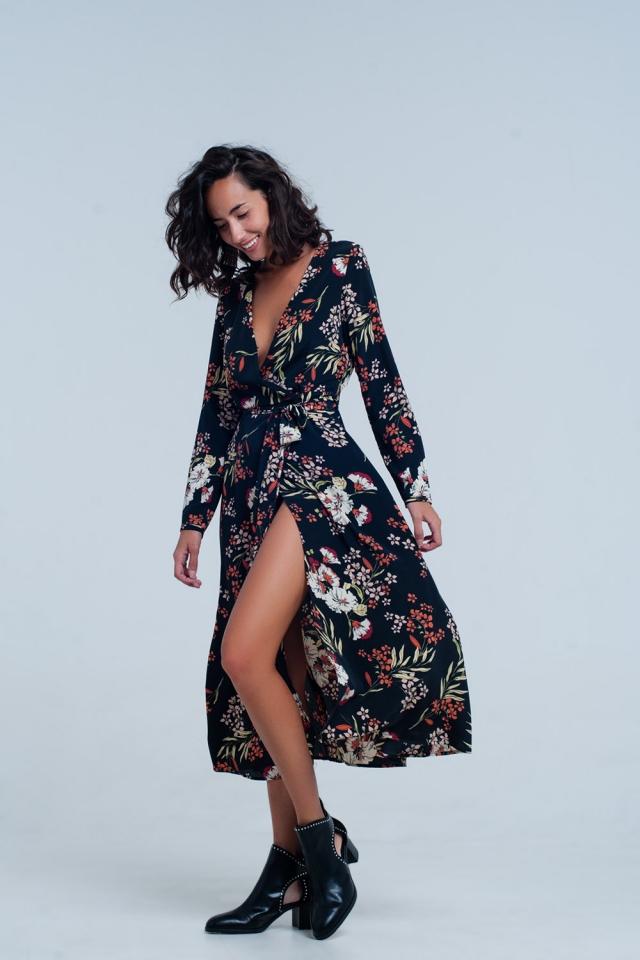 Vestido midi negro cruzado con estampado floral